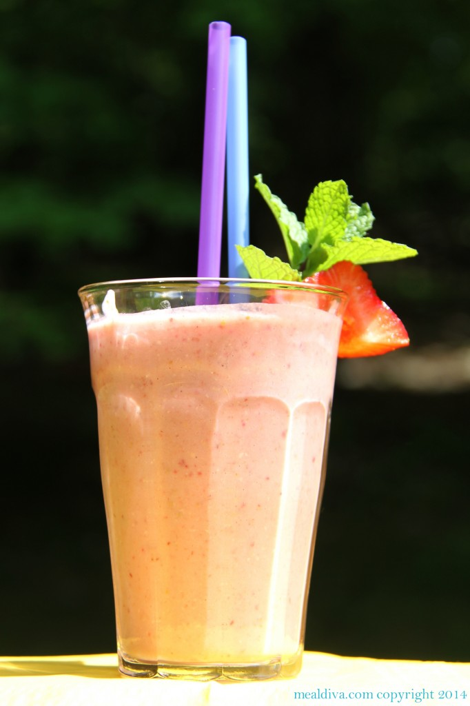 strawberry oatmeal smoothie 1