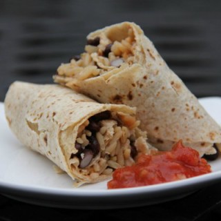 Easy Bean and Rice Wraps #WeekdaySupper