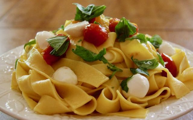 Pappardelle with Fresh Cherry Tomatoes, Mozzarella & Basil